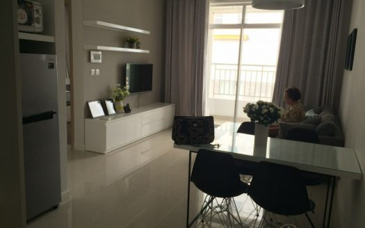 Spacious 2-bedroom apartment in Prince Residence apartment with modern features,1000$.