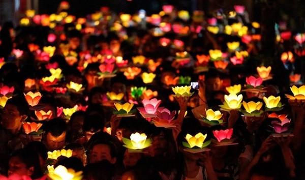 7 Vietnamese festivals were introduced in the British newspape