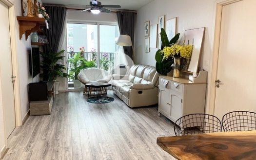 Vista Verde Apartment - Stylish and close to nature in interior design.